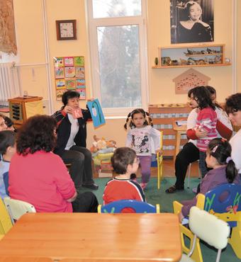 Bulgarien: De handicappede børn modtager undervisning i Karin Dom.