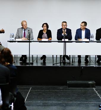 I paneldebatten deltog  Göran Blomqvist, Riksbankens Jubileumsfond, Agnete Gersing, Forskningsministeriet, Ulrik Haagerup, DR Nyheder, Mikkel Bogh, Statens Museum for Kunst, Johnny Laursen, Aarhus Universitet