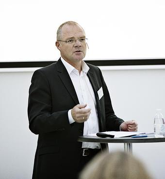 Hans Müller Pedersen, direktør for Styrelsen for Forskning og Innovation, giver sine bud på, hvordan fonde og ministerium i samarbejde kan sikre Danmark som forskningsmæssigt foregangsland