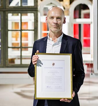 Designer og arkitekt Claus Dyre modtog Bygningskomponentprisen 2015